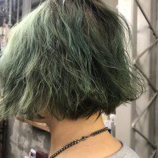 淡いグリーンカラー